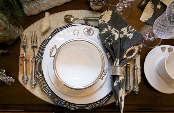 gilded-wonderland-table
