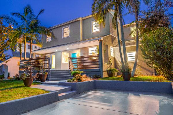 Stylish Coastal North Pacific Beach Real Estate